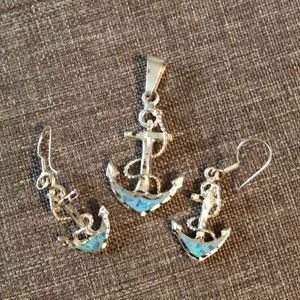 Jewelry - Anchor pendant and earrings